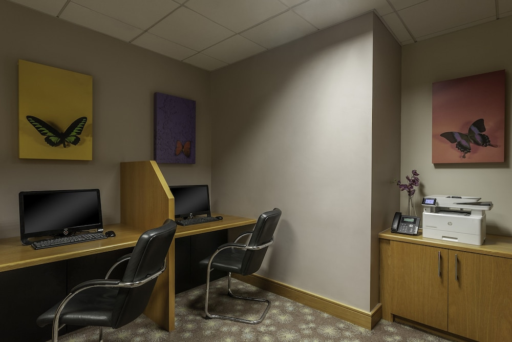 Business Center, Crowne Plaza Dublin Airport