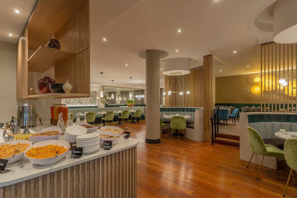 Restaurant, Crowne Plaza Dublin Airport