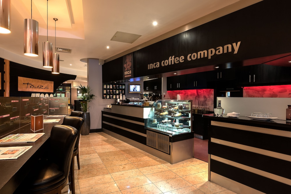 Coffee Shop, Crowne Plaza Dublin Airport