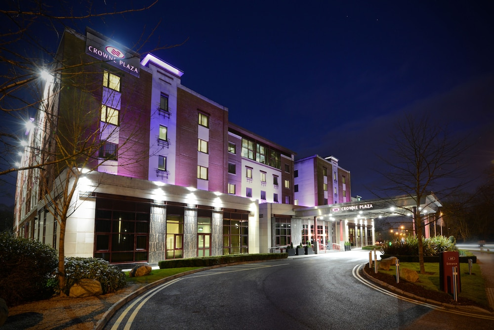 Front of Property - Evening/Night, Crowne Plaza Dublin Airport