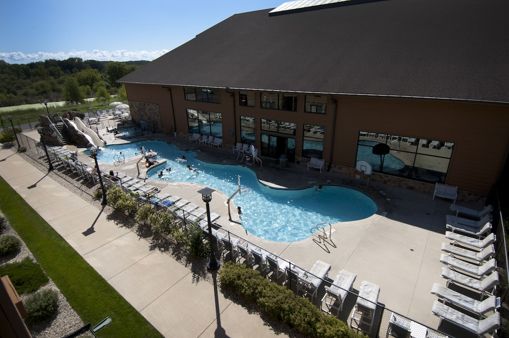 Outdoor Pool, Timber Ridge Lodge and Waterpark