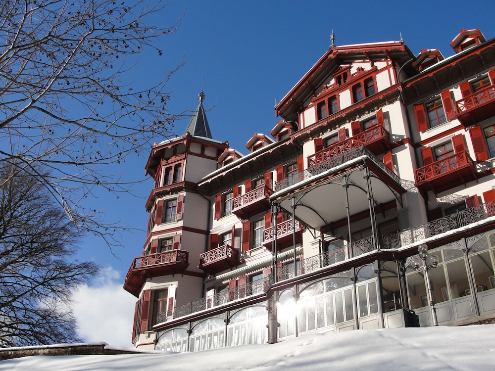Front of Property, Grandhotel Giessbach