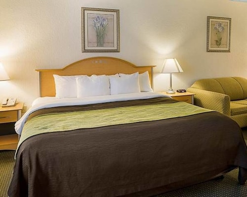 Baymont Inn And Suites Seabrook Kemah In Houston Hotel