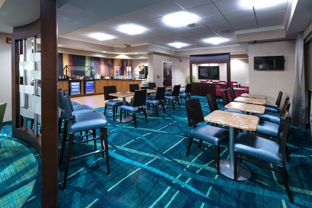 Restaurant, SpringHill Suites by Marriott Greensboro