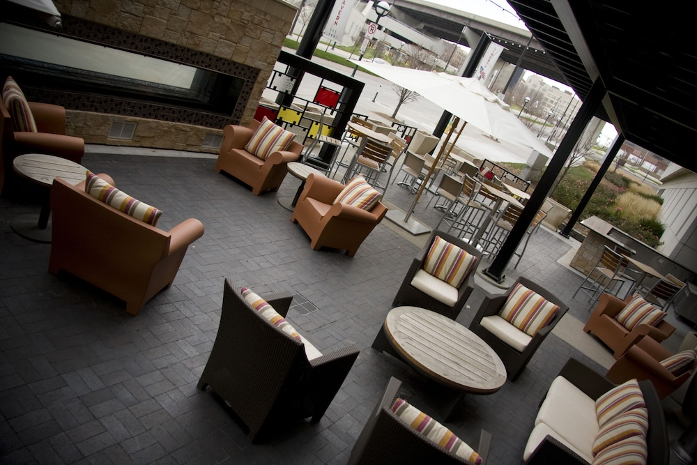 Terrace/Patio, Hilton Omaha