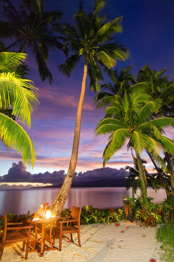 Outdoor Dining, Qamea Resort and Spa Fiji