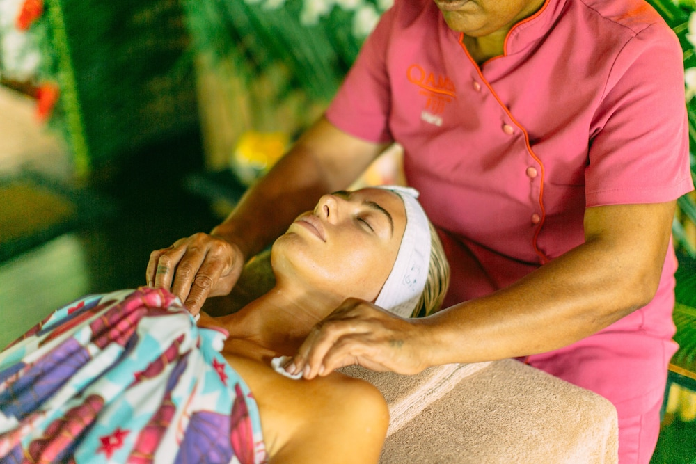 Spa Treatment, Qamea Resort and Spa Fiji