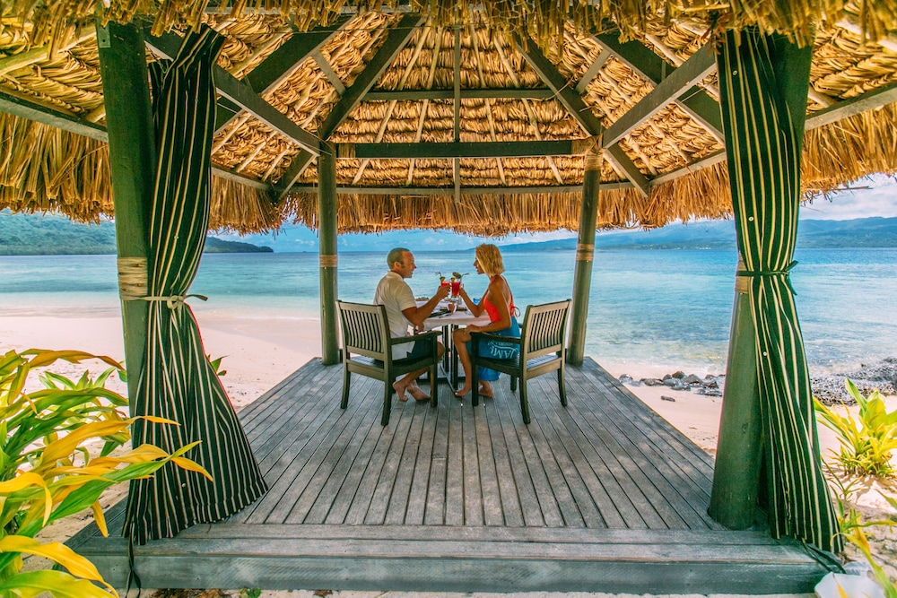 Couples Dining, Qamea Resort and Spa Fiji