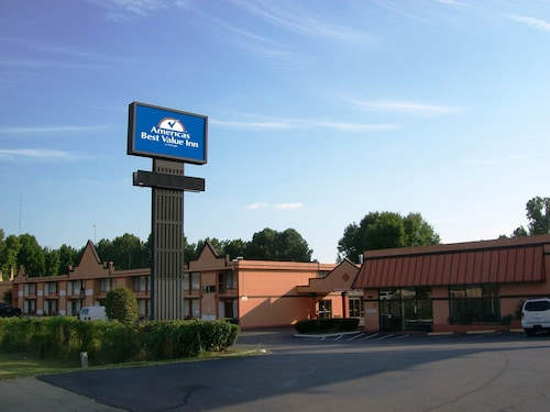 Americas Best Value Inn & Suites Memphis E