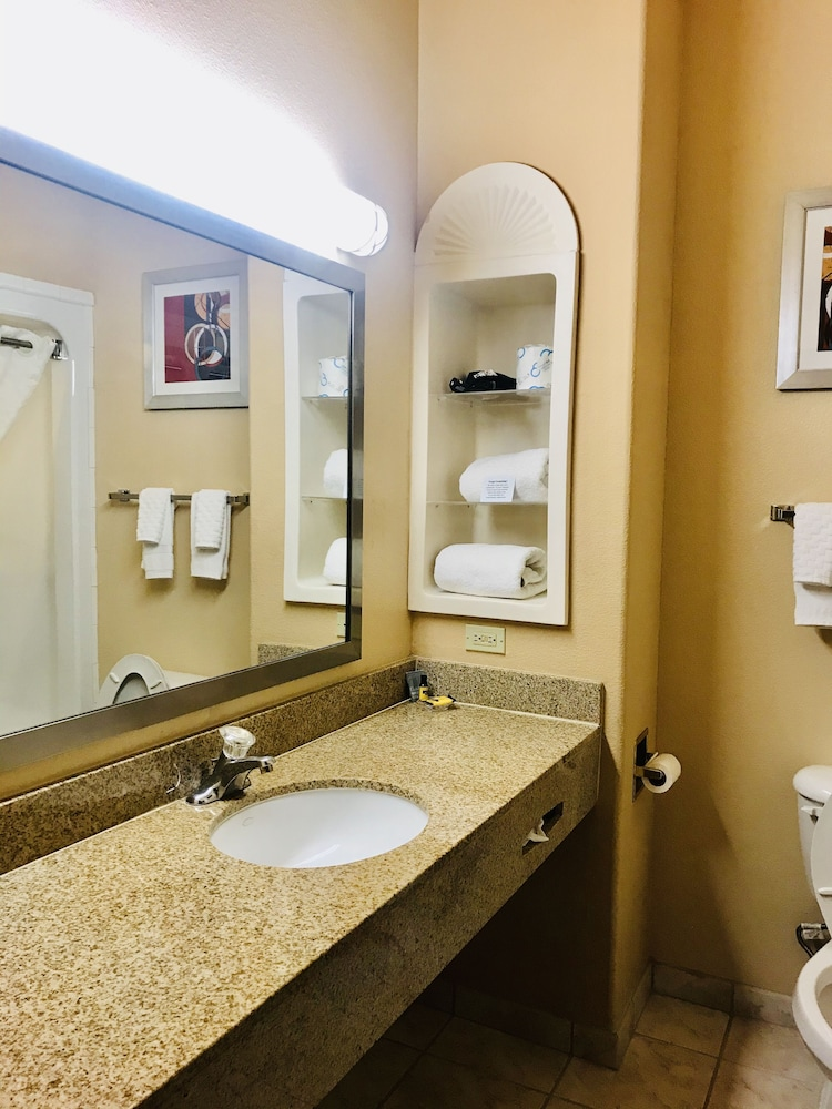 Bathroom, Best Western Plus The Woodlands