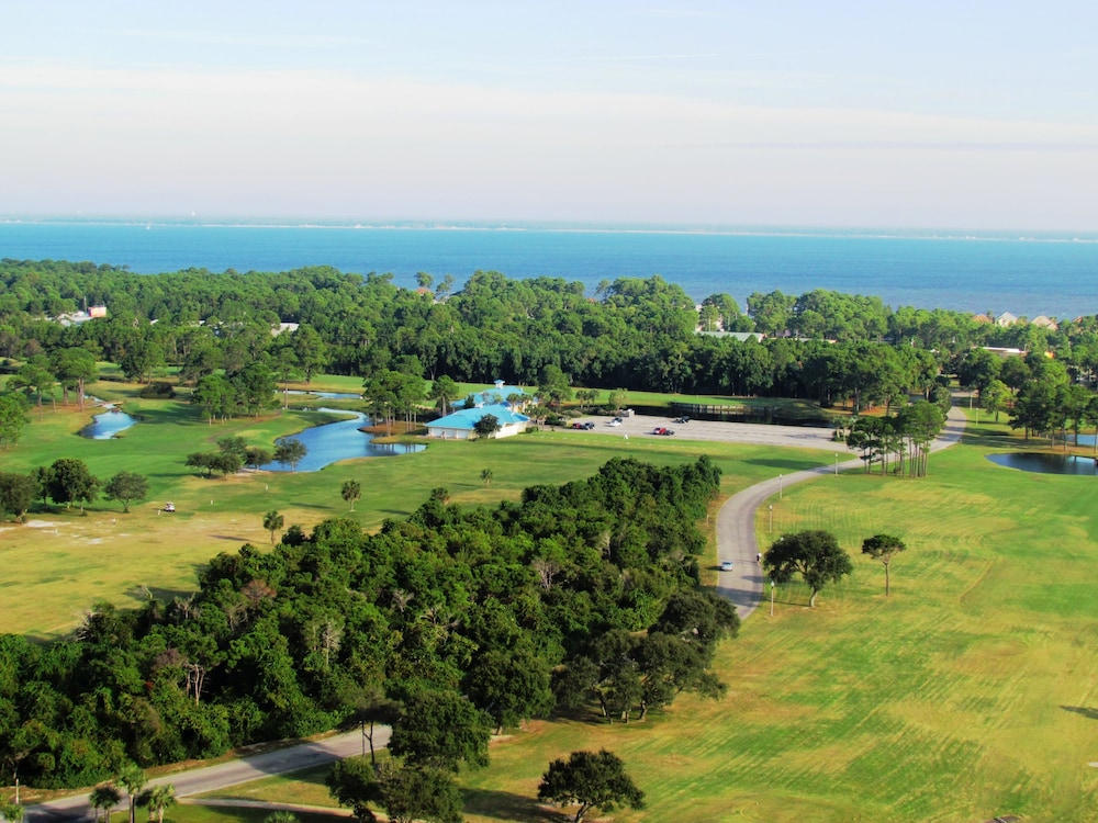 Golf, Majestic Sun Condominiums