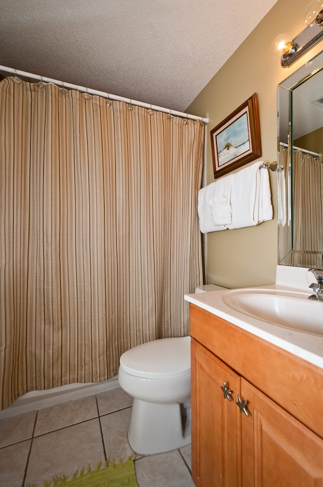 Bathroom, Majestic Sun Condominiums
