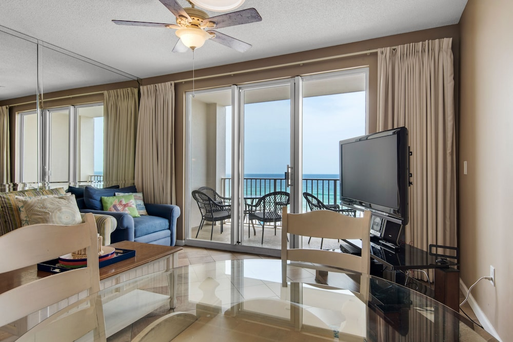 In-Room Dining, Majestic Sun Condominiums
