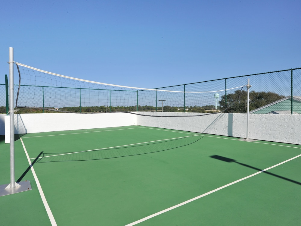 Sport Court, Majestic Sun Condominiums