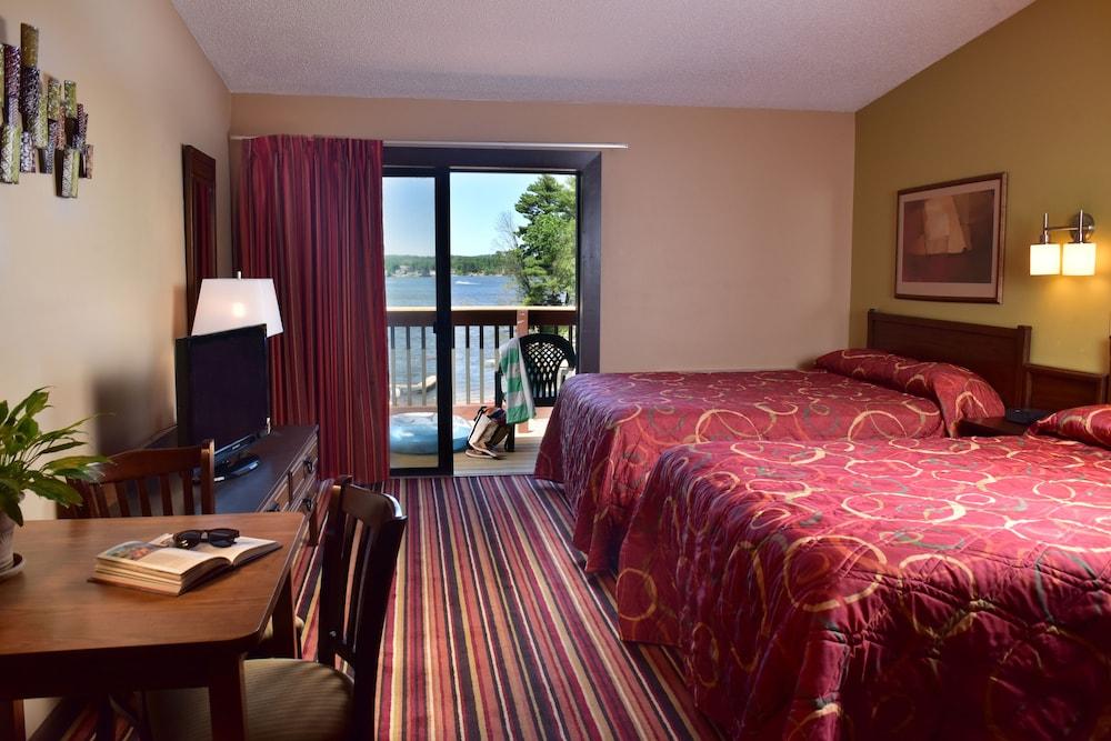 Baker S Sunset Bay Resort In Wisconsin Dells Cheap Hotel