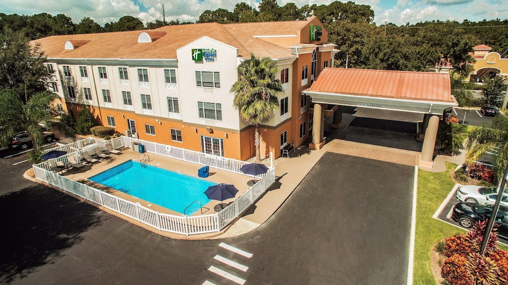 Aerial View, Holiday Inn Express Hotel & Suites Tavares - Leesburg, an IHG Hotel