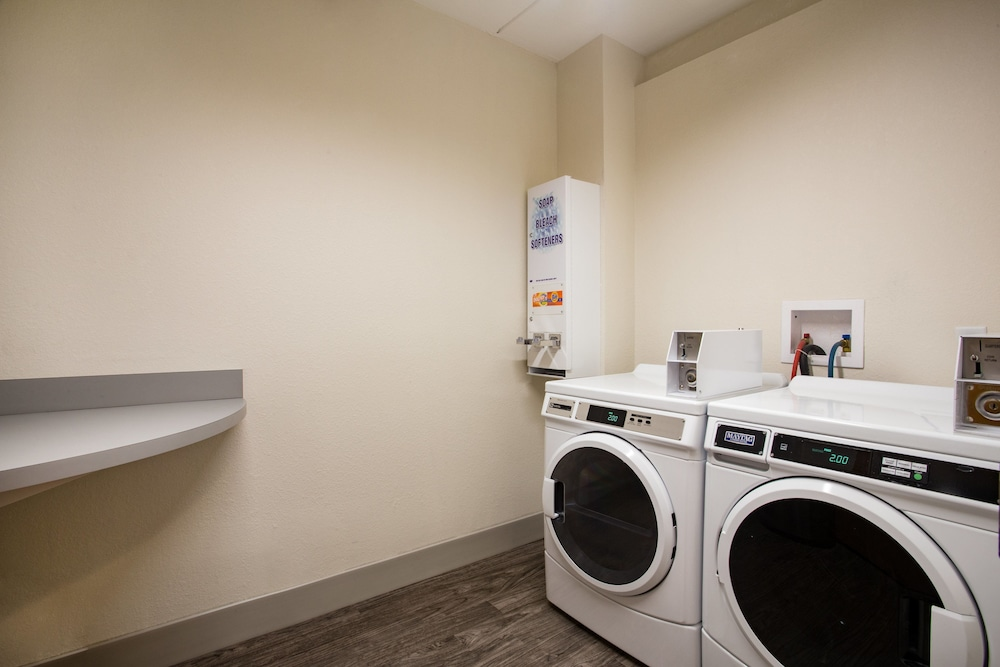 Laundry, Holiday Inn Express Hotel & Suites Tavares - Leesburg, an IHG Hotel