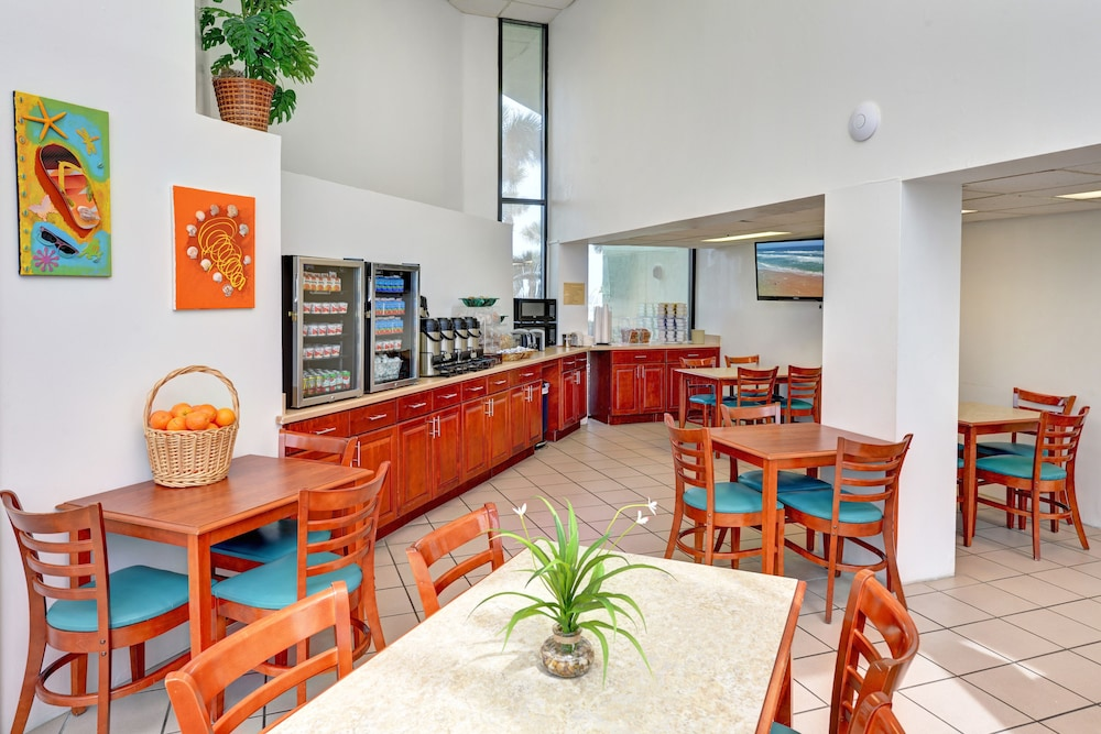 Breakfast Area, El Caribe Resort & Conference Center