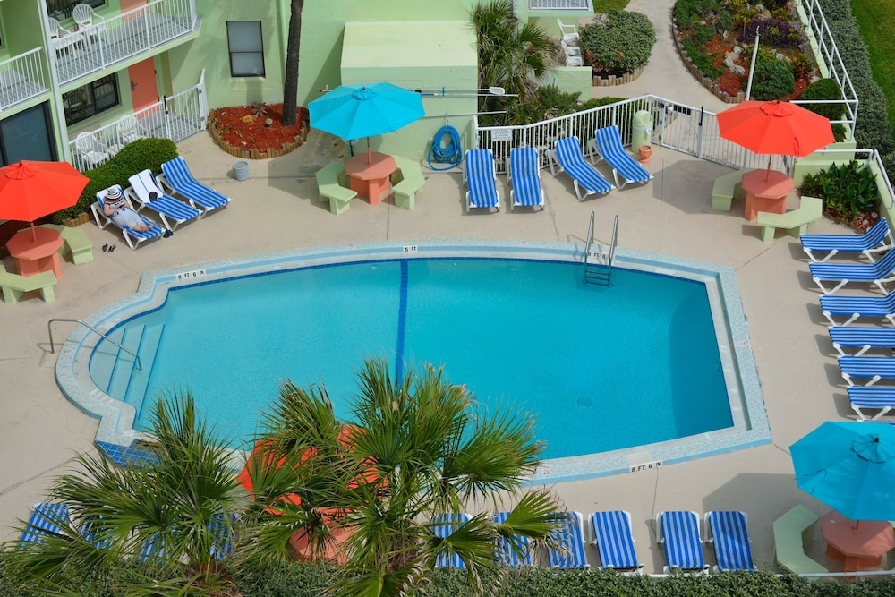 Outdoor Pool, El Caribe Resort & Conference Center