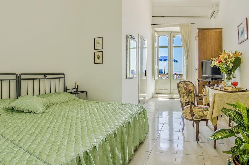 Hotel Bel Soggiorno (Taormina, ITA) | Expedia.com.au