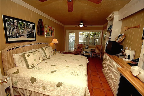 Tortuga Inn Beach Resort 2 5 Out Of 0 Featured Image Guestroom