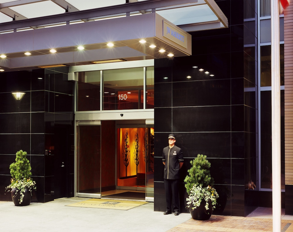 Property Entrance, JW Marriott Denver Cherry Creek