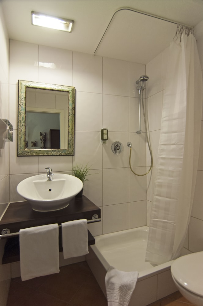 Bathroom, Hotel An der Philharmonie