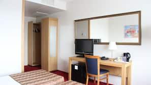 1 slaapkamer, een kluis op de kamer, een bureau, gratis babybedden