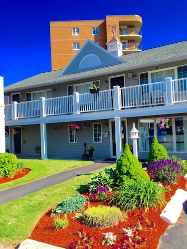 Great Place to stay Nantasket Hotel at the Beach near Hull