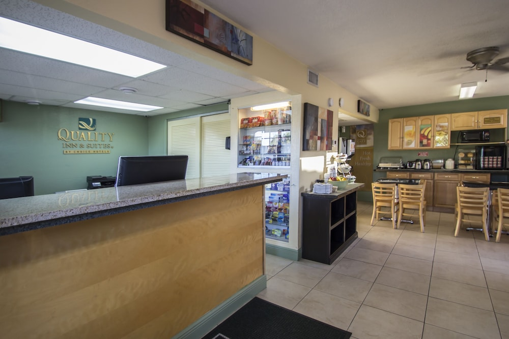 Reception, Quality Inn & Suites Hollywood Boulevard