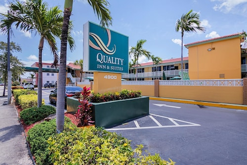 Great Place to stay Quality Inn & Suites Hollywood Boulevard near Hollywood
