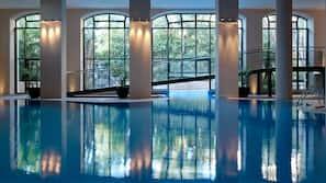2 piscines couvertes, 2 piscines extérieures