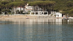 Plage à proximité, serviettes de plage, bar de plage