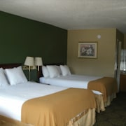 Admiralty Suites & Inn