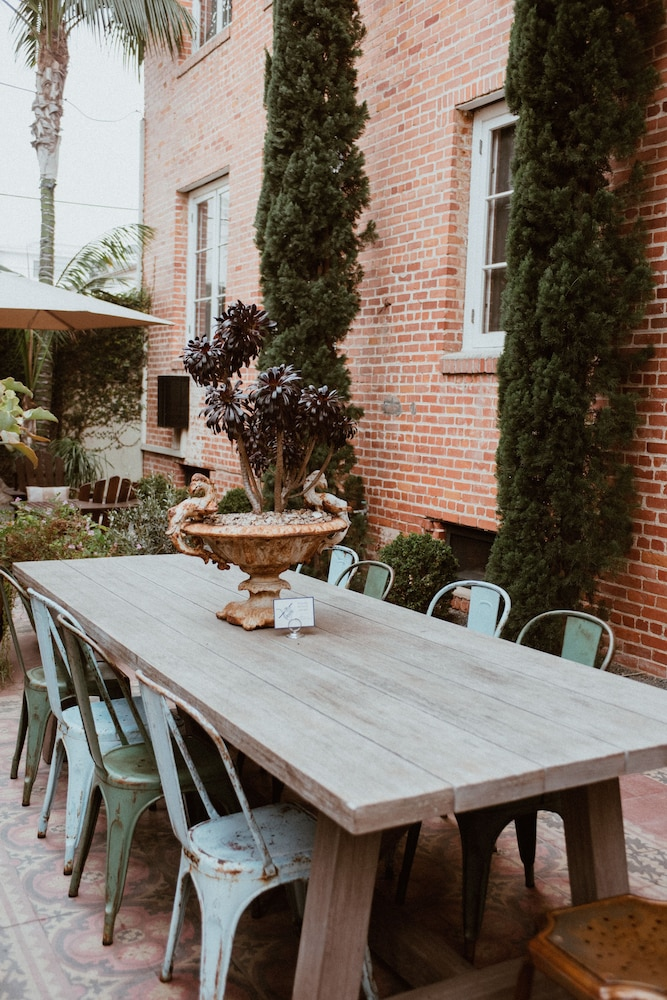 Outdoor Dining, Palihouse Santa Monica