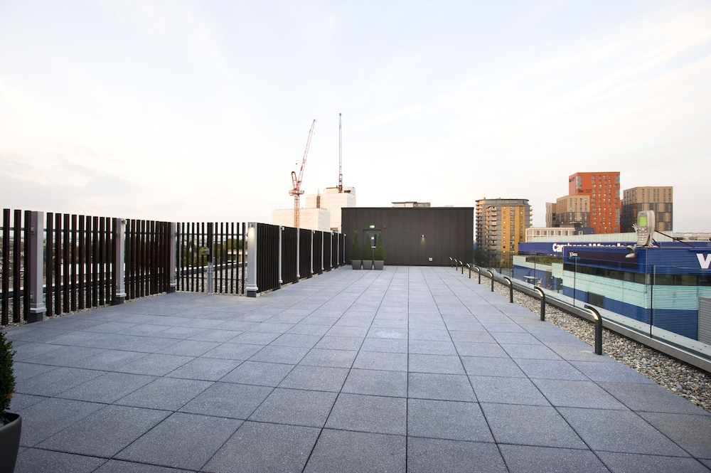 Terrace/Patio, Holiday Inn London - West
