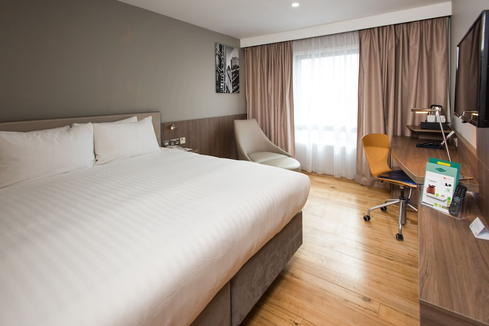 Room, Holiday Inn London - West