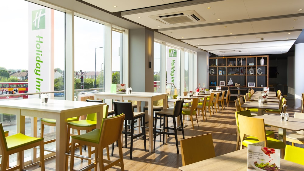 Restaurant, Holiday Inn London - West