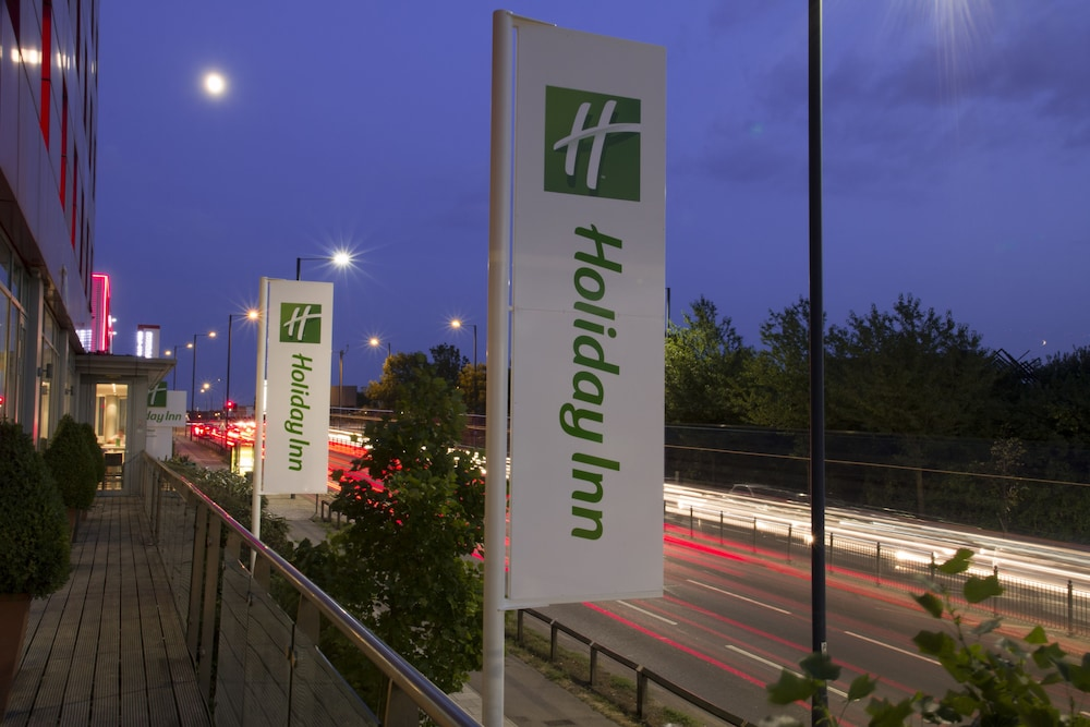Exterior, Holiday Inn London - West