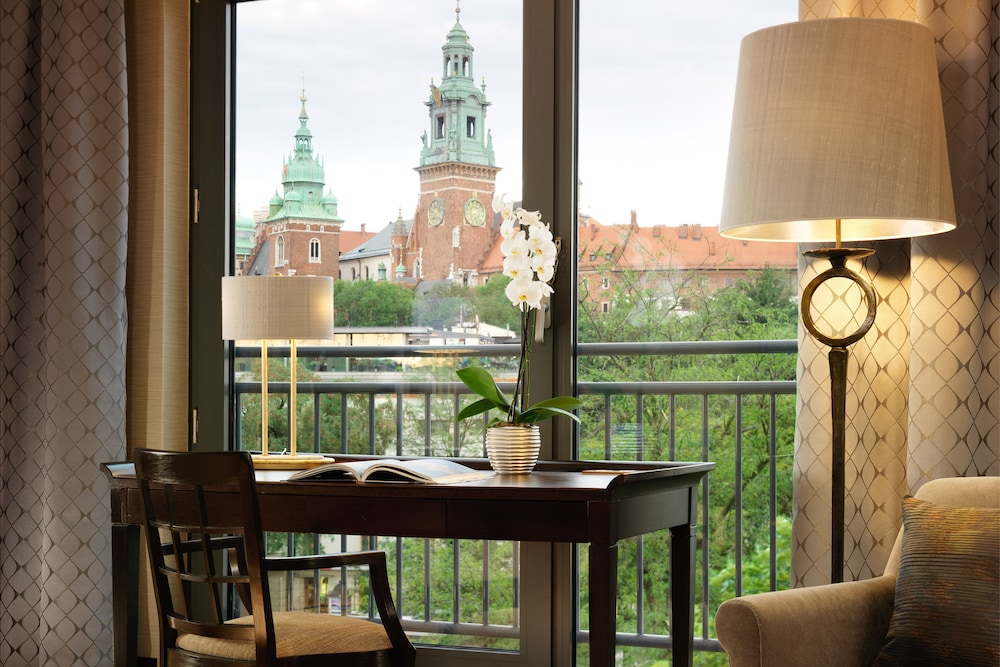 Room, Sheraton Grand Krakow