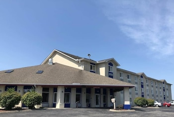 Days Inn by Wyndham Batavia Ohio
