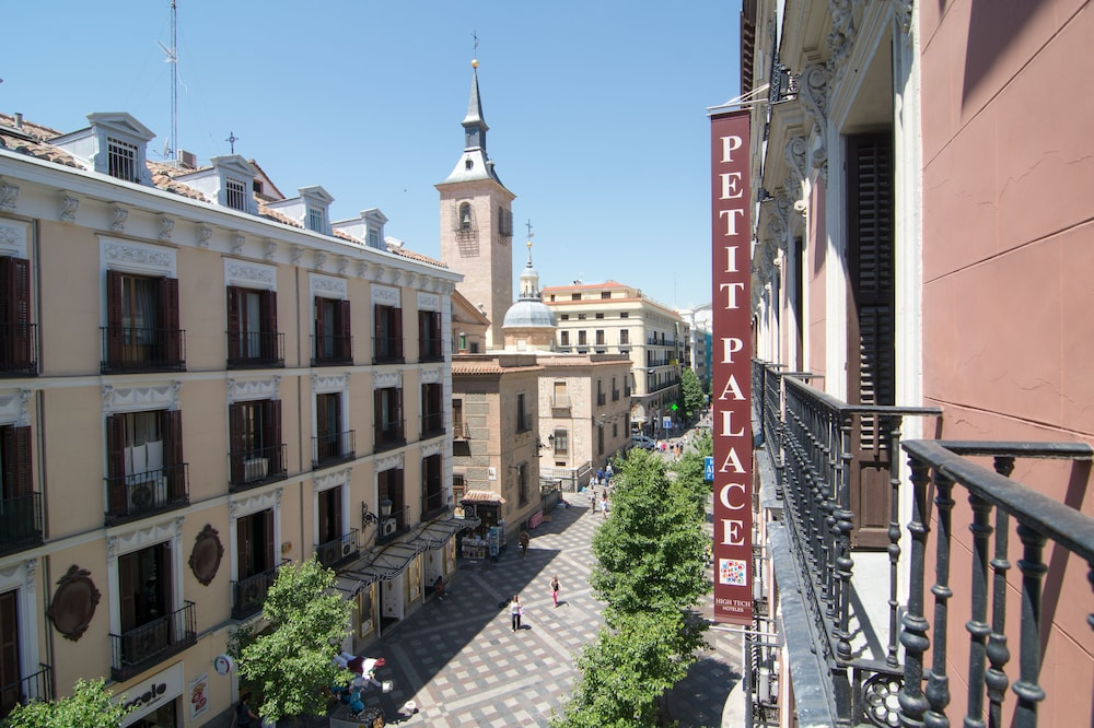 Petit palace opera in madrid hotel rates reviews on orbitz for Hotel arenal madrid