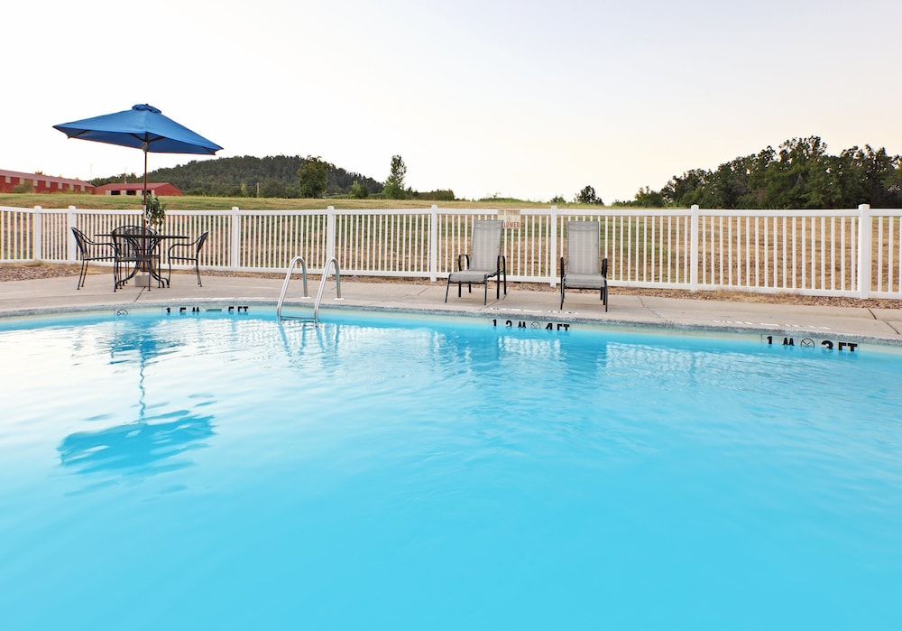 Pool, Holiday Inn Express Hotel & Suites Mountain Home