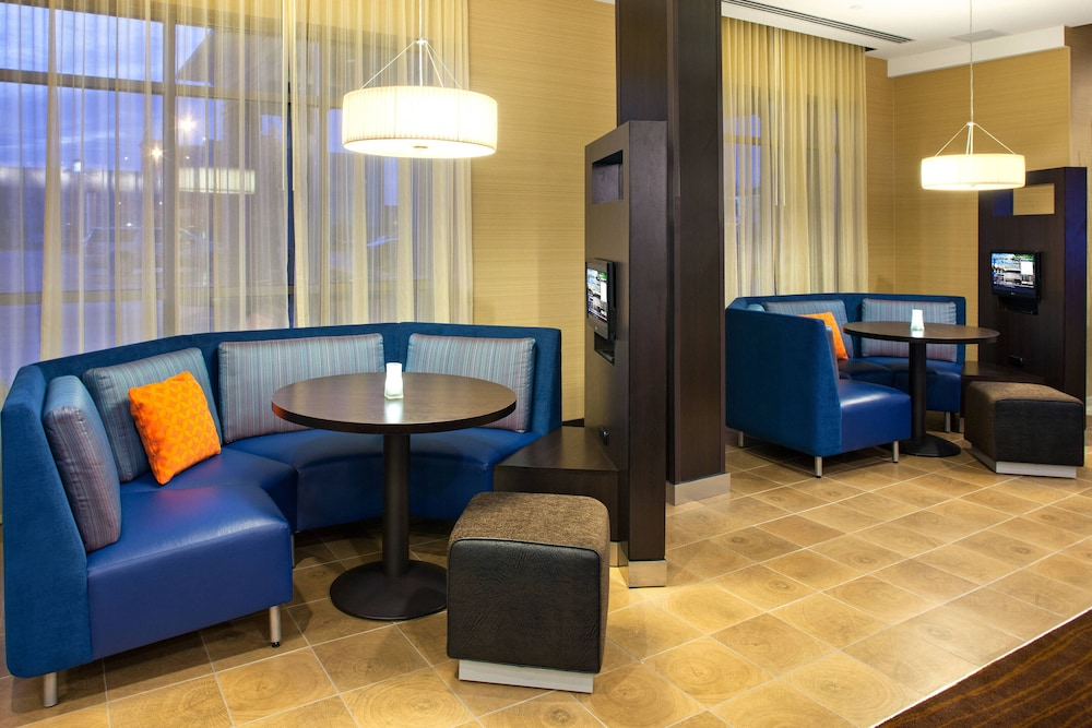 Miscellaneous, Courtyard by Marriott London