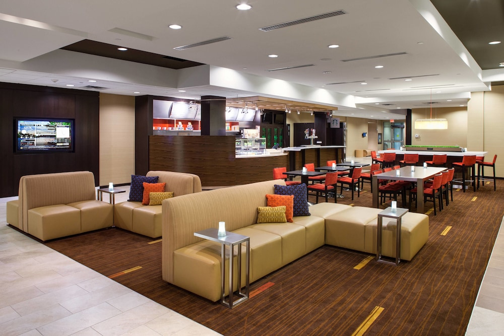 Lobby, Courtyard by Marriott London