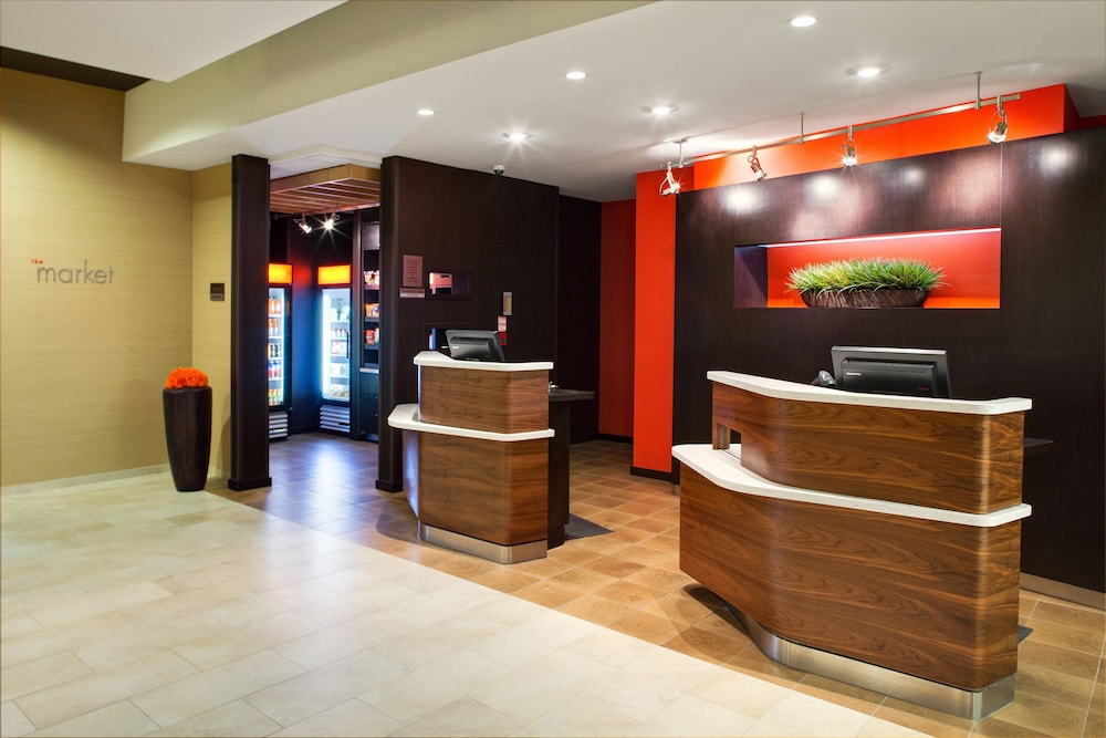 Interior, Courtyard by Marriott London