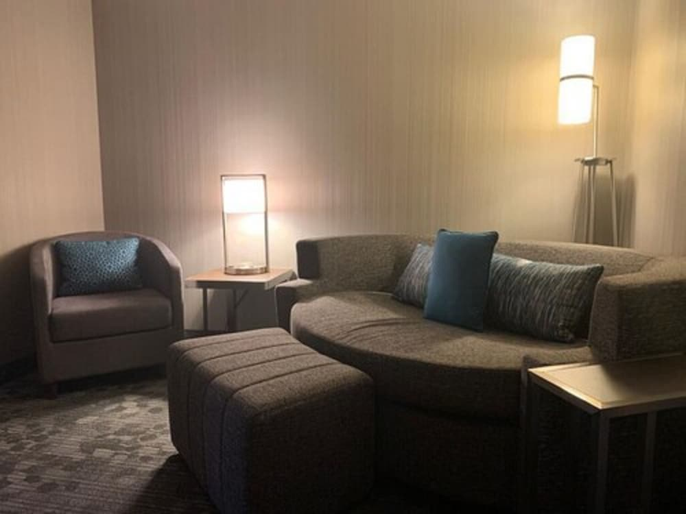 Living Area, Courtyard by Marriott London
