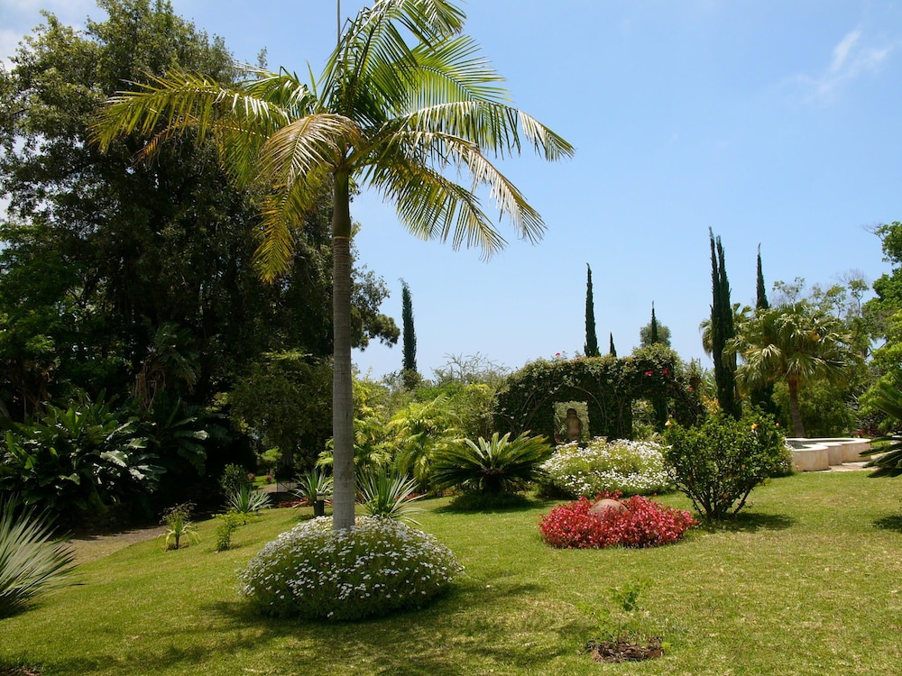 quinta jardins do lago reviews photos rates. Black Bedroom Furniture Sets. Home Design Ideas