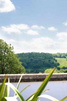 Brassknocker Hill, Monkton Combe, Bath BA2 7HU, England.