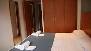 2 bedrooms, in-room safe, desk, soundproofing